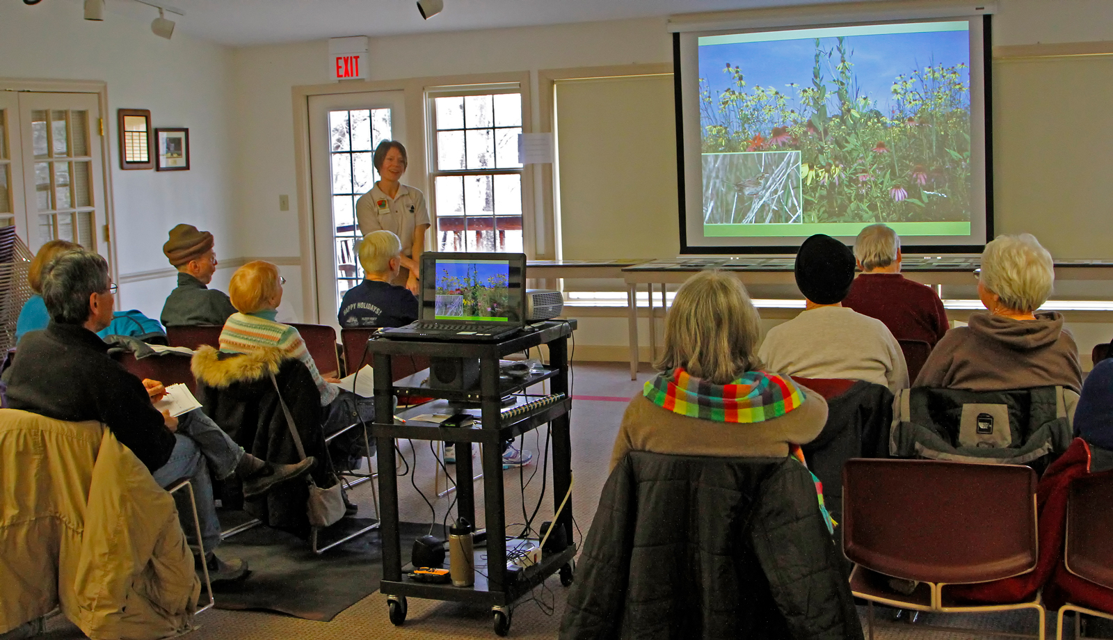 Educator Colleen Sharkey hosts a presentation at Innis House for a Metro Five-0 Gardening for Birds program