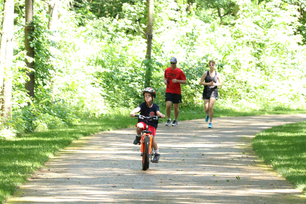 Running and biking at Walnut Woods Metro Park